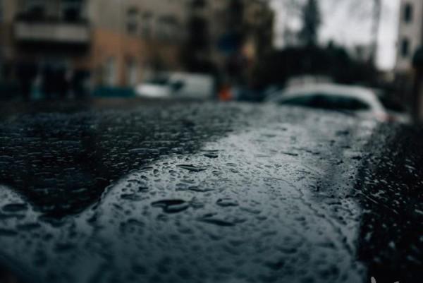 rain-drops-on-a-car.jpg