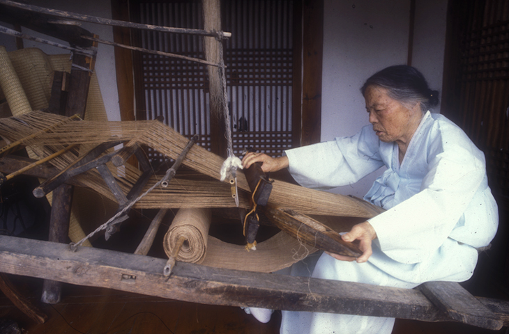 [의/식/주] 직물/염색:  한국 옛 사람들의 옷 만들기