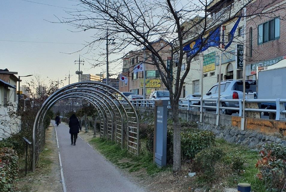 남파랑길 9코스 – 한국 근대사의 아픔이 곳곳에 배어있는 길