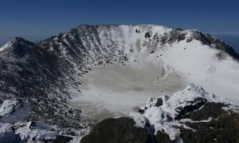 겨울 눈꽃산행의 백미 백록담, 영실기암